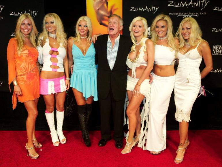 121274-playboy-hugh-hefner-and-his-many-playmate-girlfriends