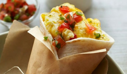 3-step-egg-cheese-burrito1-min