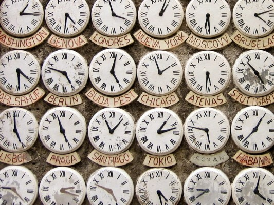 Petpeeves_clocks_flickr-min-533x400-min