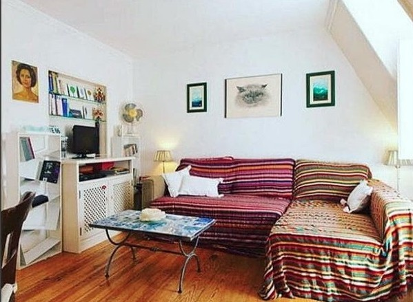 instagram budget traveller airbnb room